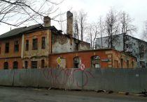 Памятник архитектуры в Псковской области тает на глазах